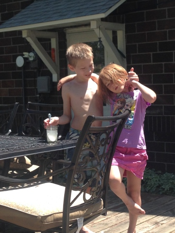 Casey and Annie before their lemonade stand adventure.